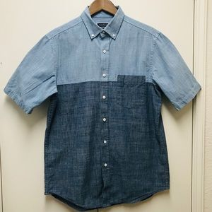 Club Room size M men's buttons down blue shirt